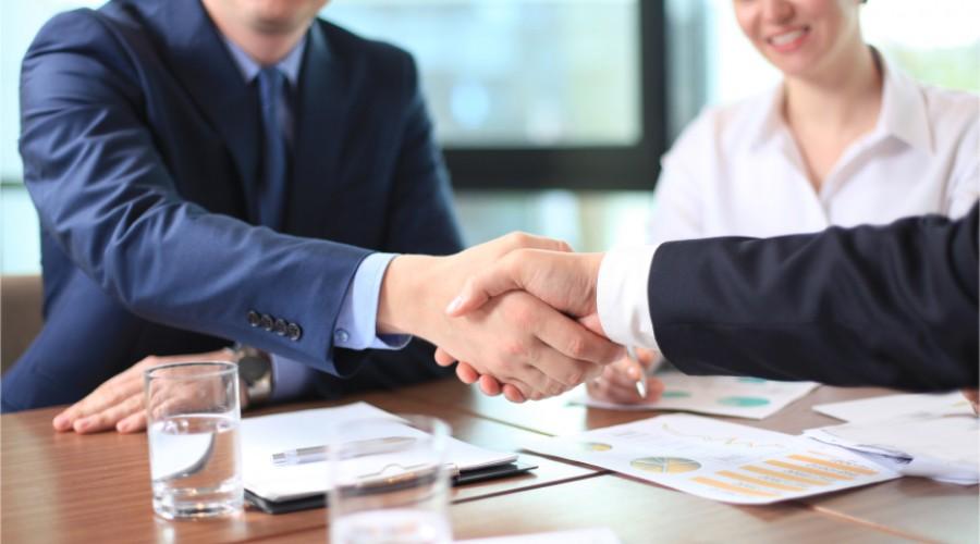 Banques: qui parle encore de clients et collaborateurs?